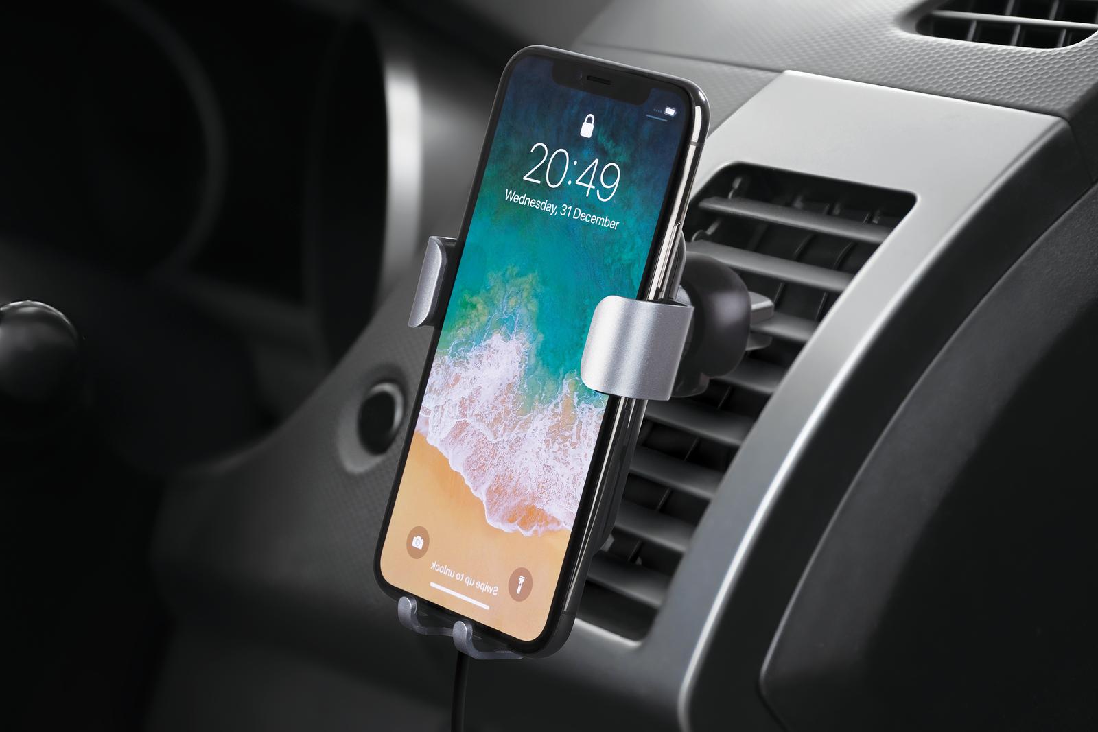 Deltaco Qi laddare + bilhållare (iPhone)