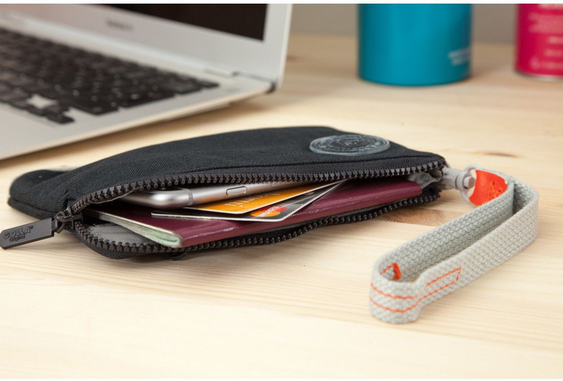Golla Original Wristlet (iPhone)