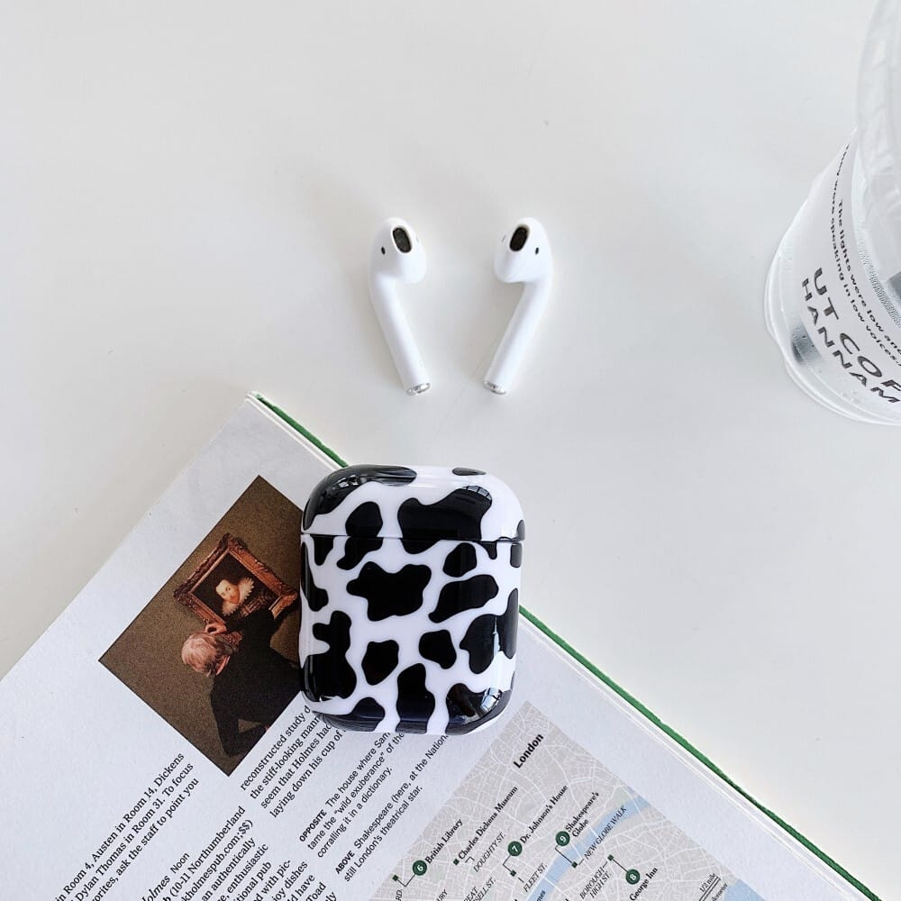 Trolsk Printed Case - Cow (AirPods 1/2)